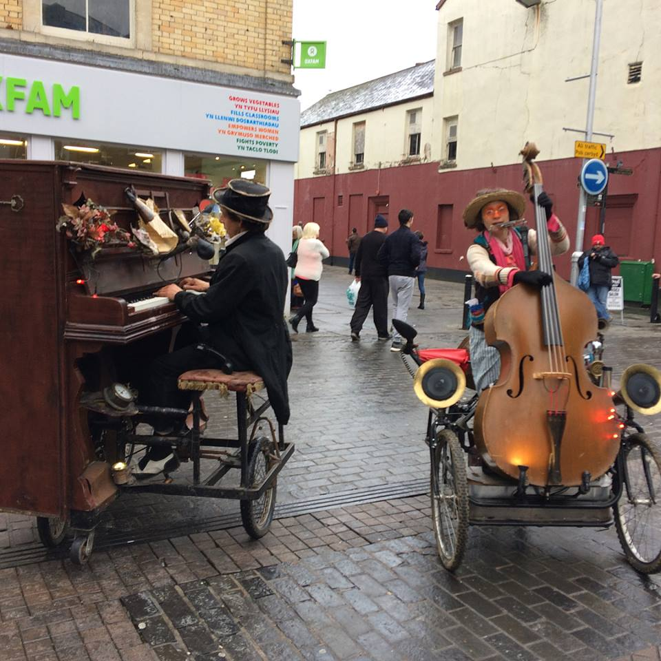 Roving Pianist